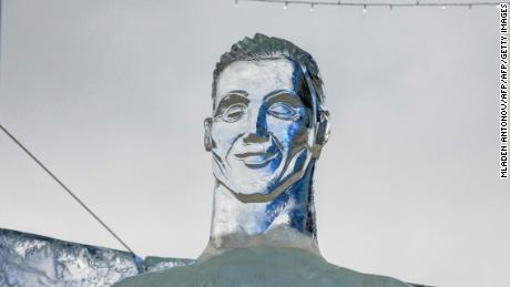 A picture taken on January 4, 2018 shows an ice sculpture depicting Portugal's football player Cristiano Ronaldo at the annual Ice Sculptures festival in Park Pobedy on Poklonnaya Gora in Moscow. Over 40 ice sculptures of symbols from the FIFA World Cup 2018 participating countries are installed in Park Pobedy on Poklonnaya Gora in Moscow. / AFP PHOTO / Mladen ANTONOV        (Photo credit should read MLADEN ANTONOV/AFP/Getty Images)