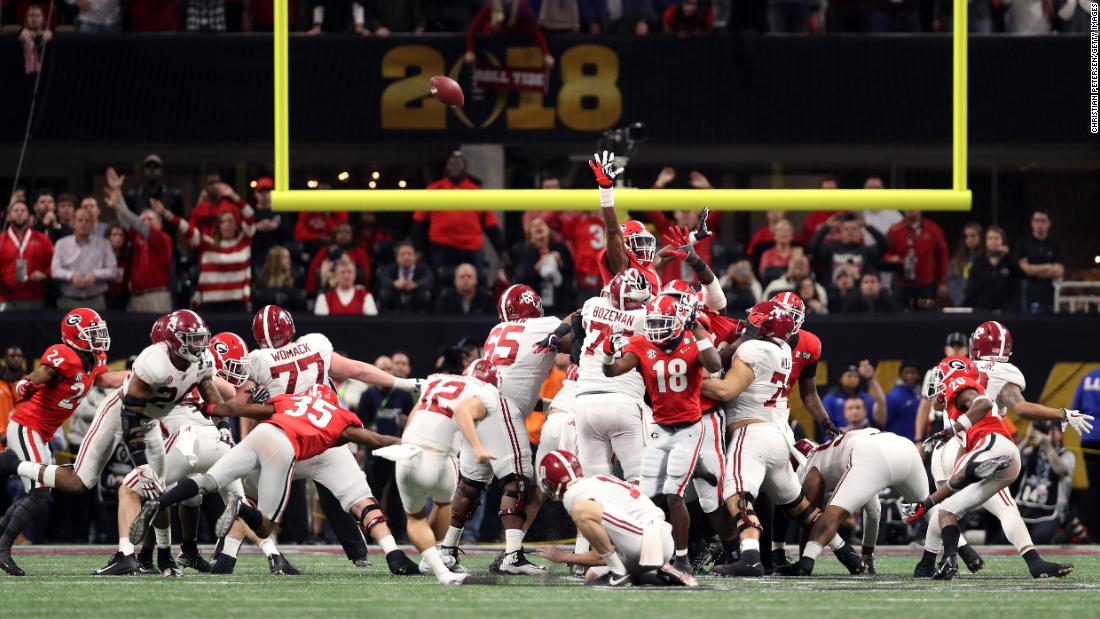 Alabama kicker Andy Pappanastos misses a 36-yard field goal that would have won the game at the end of regulation.