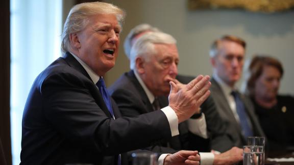 WASHINGTON, DC - JANUARY 09:  U.S. President Donald Trump (L) presides over a meeting about immigration with Republican and Democrat members of Congress in the Cabinet Room at the White House January 9, 2018 in Washington, DC. In addition to seeking bipartisan solutions to immigration reform, Trump advocated for the reintroduction of earmarks as a way to break the legislative stalemate in Congress.  (Photo by Chip Somodevilla/Getty Images)