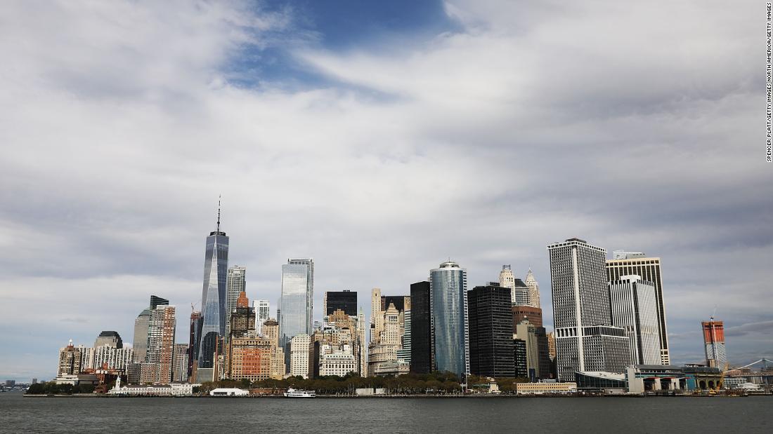 Νέα Υόρκη πέρασε δύο λεπτά παλαμάκια για πρώτη αντίδραση