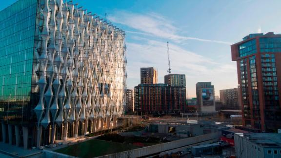 The new US Embassy is pictured in Embassy Gardens in south-west London, on December 18, 2017.  The new US Embassy is expected to cost around one billion US dollars and is due to open in January 2018. / AFP PHOTO / Justin TALLIS        (Photo credit should read JUSTIN TALLIS/AFP/Getty Images)