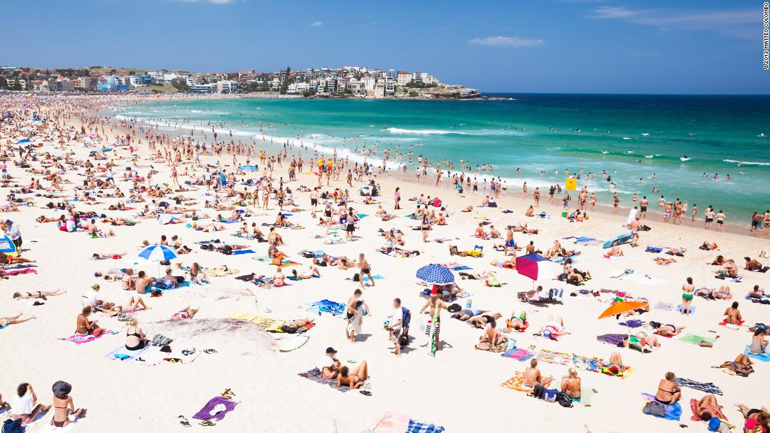 The Stars Of Australias Bondi Beach - Cnn Video-1177