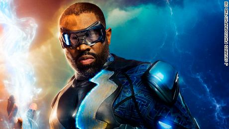 Black Lightning -- Image BLK_FIRST_LOOK.jpg -- Pictured: Cress Williams as Black Lightning -- Photo: J Squared Photography/The CW -- © 2017 The CW Network, LLC. All rights reserved.