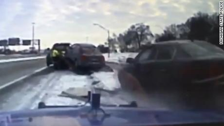 Tow truck driver car slides ice mxp_00000000