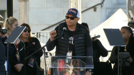 Comedian Larry Wilmore speaks at the LA Women's March.