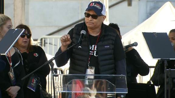 Comedian Larry Wilmore speaks at the LA Women's March.