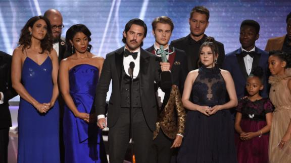 """LOS ANGELES, CA - JANUARY 21:  Actor Milo Ventimiglia (C) and the cast of """"This Is Us"""" onstage during the 24th Annual Screen ActorsGuild Awards at The Shrine Auditorium on January 21, 2018 in Los Angeles, California.  (Photo by Kevork Djansezian/Getty Images)"""