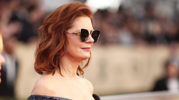 LOS ANGELES, CA - JANUARY 21:  Actor Susan Sarandon attends the 24th Annual Screen Actors Guild Awards at The Shrine Auditorium on January 21, 2018 in Los Angeles, California. 27522_010  (Photo by Christopher Polk/Getty Images for Turner Image)