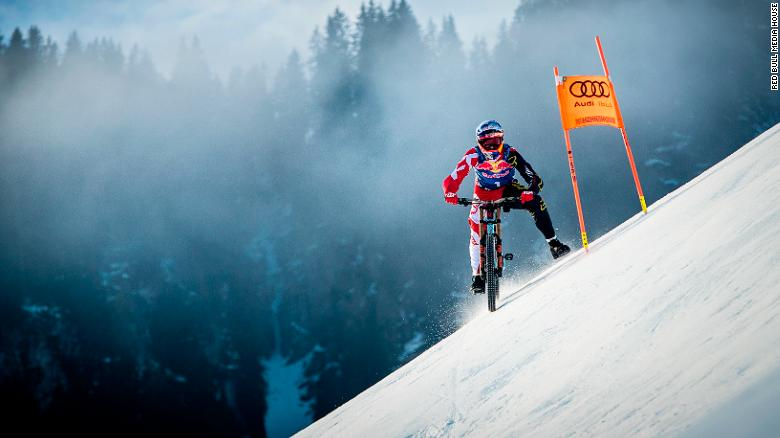 c63e9873cb9 Kitzbuhel: Mountain biker Max Stockl conquers world's toughest ski ...