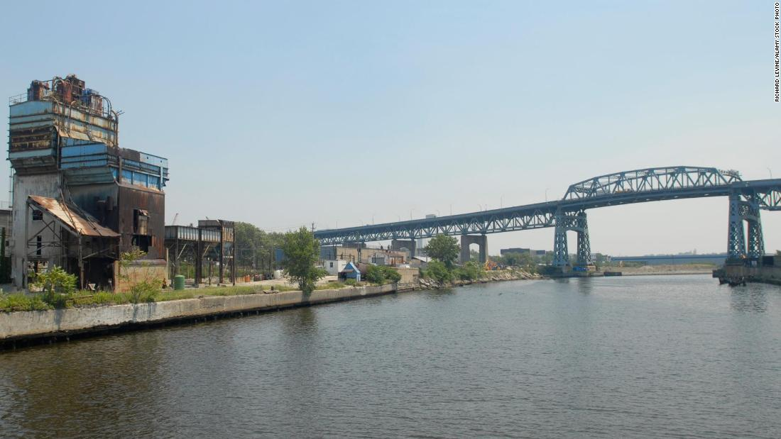 Unlike other monuments lost in 2017, this giant steel bridge will likely not be missed. Originally called the Meeker Avenue Bridge, it had connected Brooklyn and Queens for nearly 80 years. Designed to carry 10,000 cars a day, it had become a traffic black spot. The bridge was taken down by a controlled steel explosion in October and was replaced by a $555 million lightweight bridge.