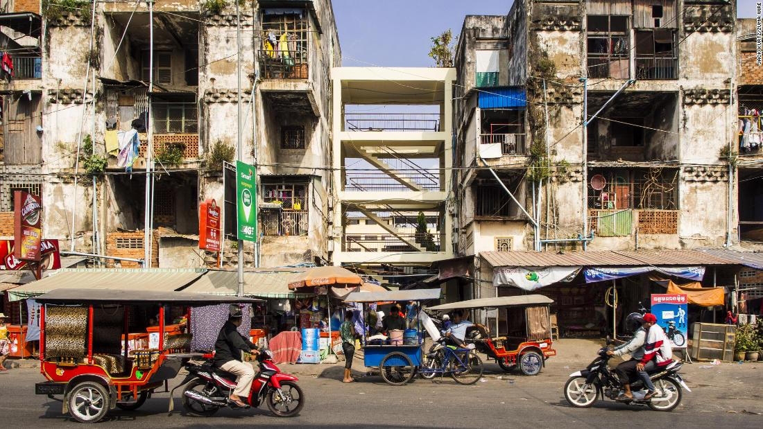 Built in the 1960s, the building housed more than 2,500 residents, including musicians and civil servants. It was the first attempt by King Sihanouk to offer multi-story modern housing for lower- and middle-class Cambodians when Phnom Penh's population tripled from 370,000 to one million between 1953 and 1970.