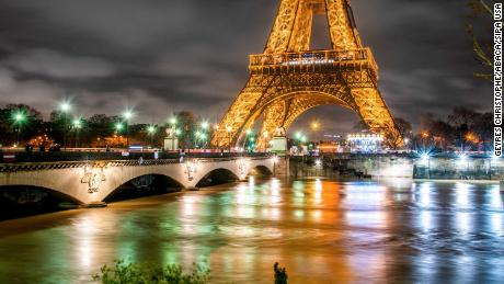 Night view of the floods in Paris on Thursday night.