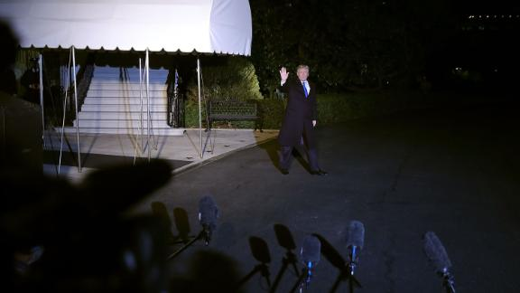WASHINGTON, DC - JANUARY 24:  U.S. President Donald Trump leaves the White House for the World Economic Forum in Davos, Switzerland, January 24, 2018 in Washington, DC. Trump told reporters on Wednesday that he would be willing to speak under oath with Robert Mueller III, the special counsel for the Russia inquiry.  (Photo by Chip Somodevilla/Getty Images)