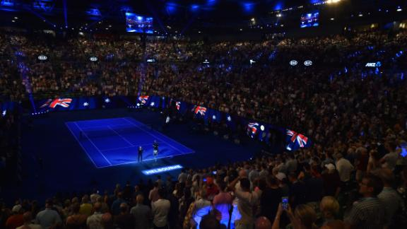 The roof was closed at the Rod Laver Arena in Melbourne due to extreme heat.