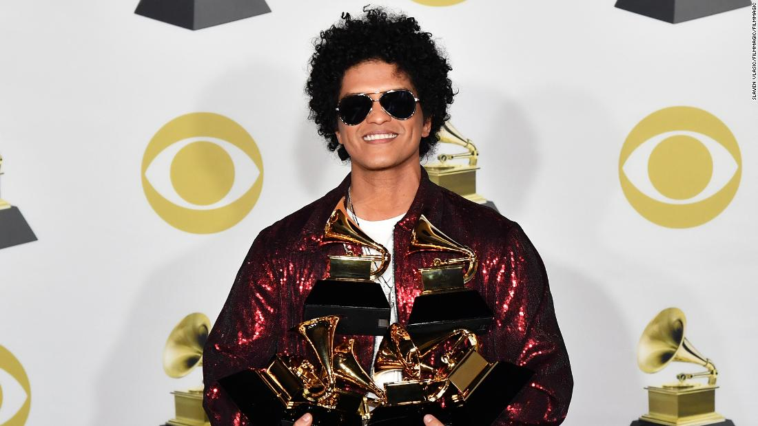 d8d579bff0ef3 Bruno Mars is accused of cultural appropriation