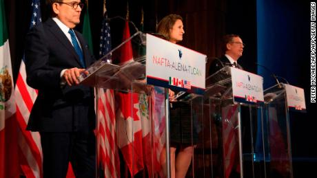 Mexico's Minister of Economy Ildefonso Guajardo (L), Canadian Foreign Affairs minister Chrystia Freeland (C), and US Trade Representative Robert Lighthizer address the press at the closing of the NAFTA meetings in Montreal, Quebec on January 29, 2018.  A sixth round of talks aimed at revamping the  North American Free Trade Agreement covered key issues, but advanced slowly, a US trade official said Monday. / AFP PHOTO / Peter Mccabe        (Photo credit should read PETER MCCABE/AFP/Getty Images)