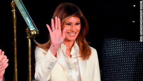 US First Lady Melania Trump waves as she arrives for the State of the Union address at the US Capitol in Washington, DC, on January 30, 2018. / AFP PHOTO / SAUL LOEB        (Photo credit should read SAUL LOEB/AFP/Getty Images)