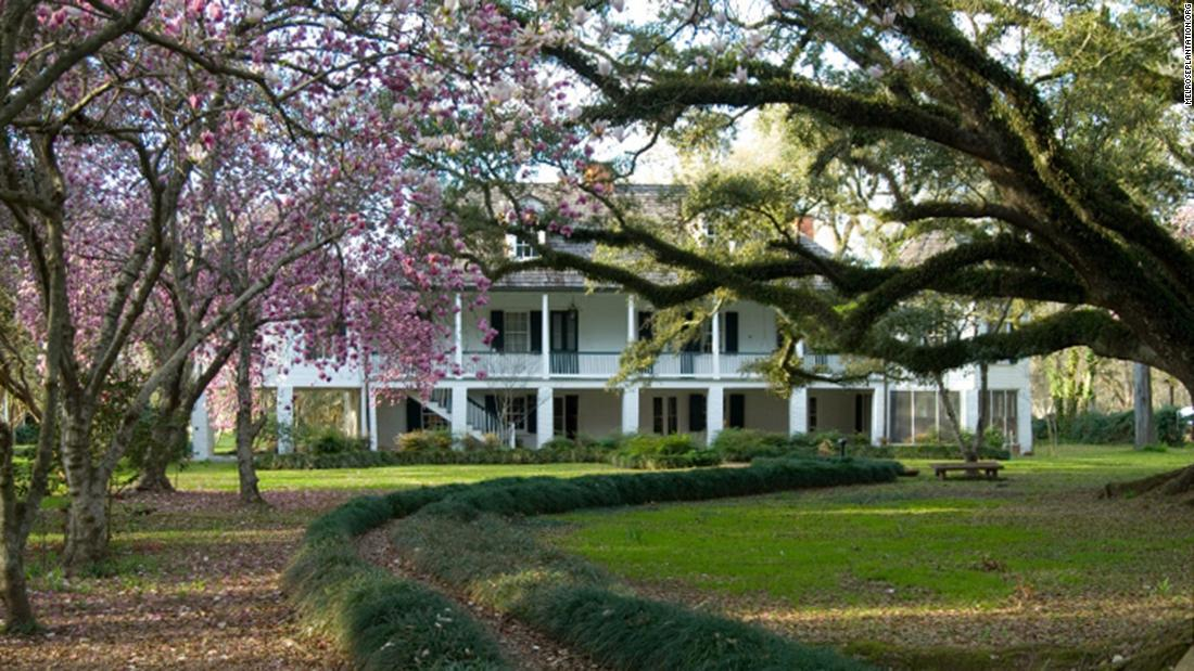 <strong>Melrose Plantation, Melrose, Louisiana:</strong> Melrose Plantation is a 200-year-old cotton and pecan plantation in Natchitoches Parish, Louisiana built by and for free blacks.