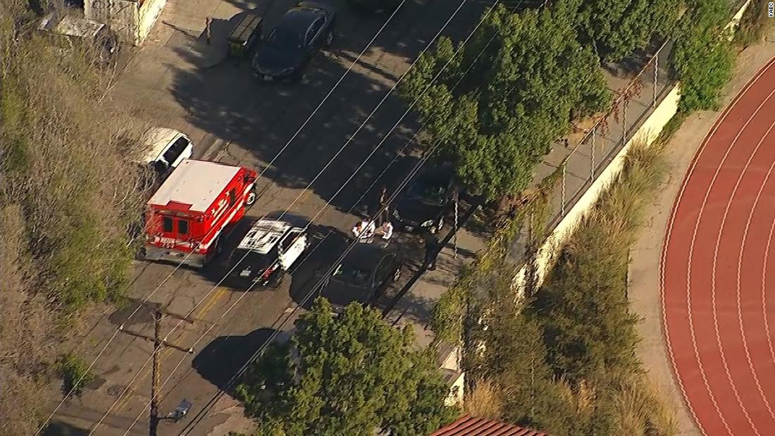 4 students hit by gunfire at Los Angeles school; 12-year-old girl in custody – Trending Stuff