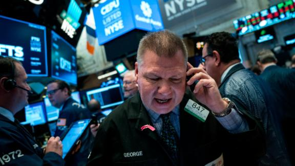 NEW YORK, NY - FEBRUARY 2: Traders and financial professionals work on the floor of the New York Stock Exchange (NYSE) ahead of the opening bell,  February 2, 2018 in New York City. The Dow dropped 250 points at the open on Friday morning. (Photo by Drew Angerer/Getty Images)
