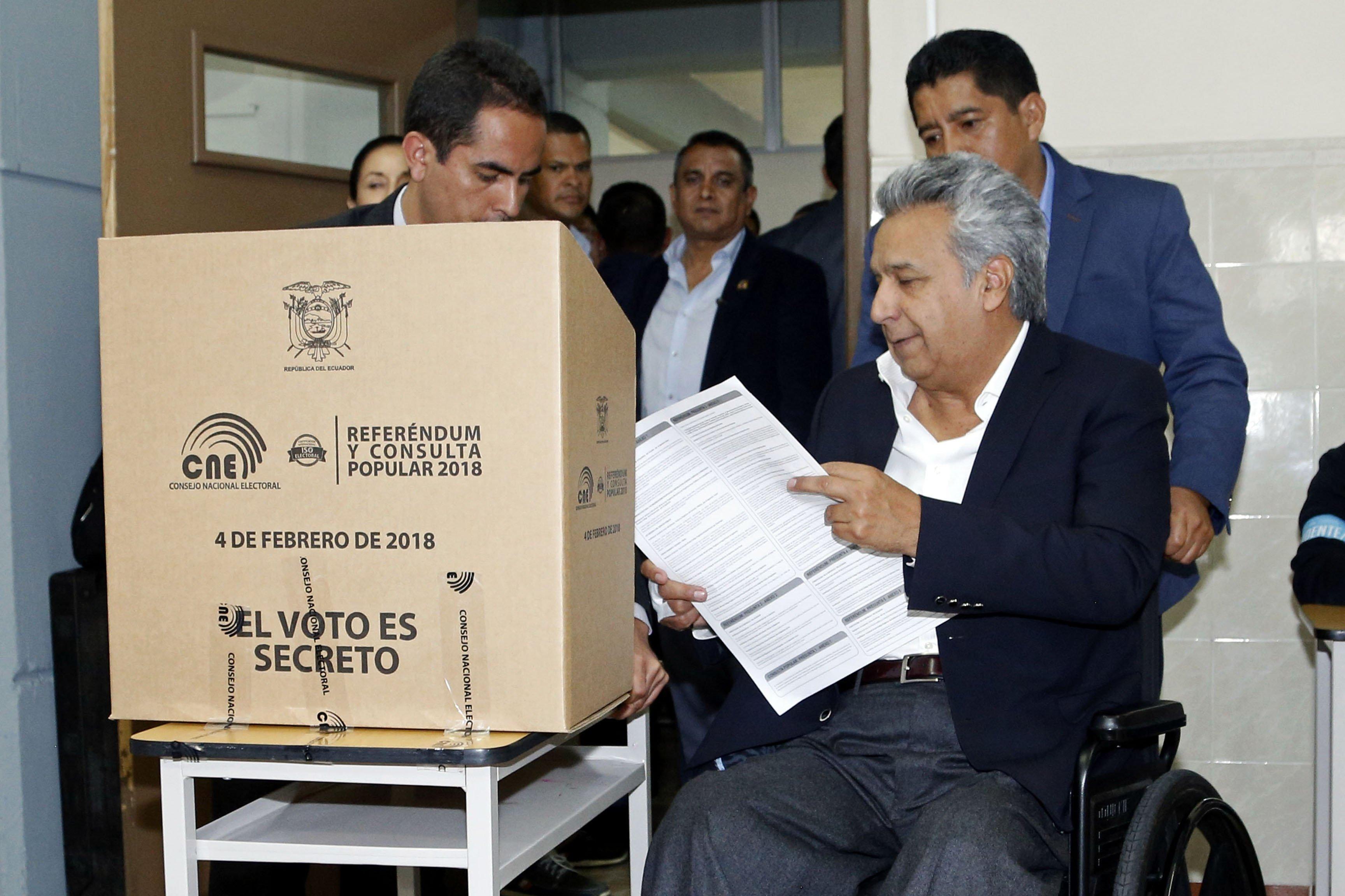 Resultado de imagem para referendo lenin ecuador si