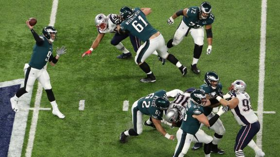 Foles passes the ball early in the first quarter.