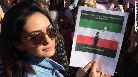 Nazanin Boniadi at the 2018 Women's March in Los Angeles.