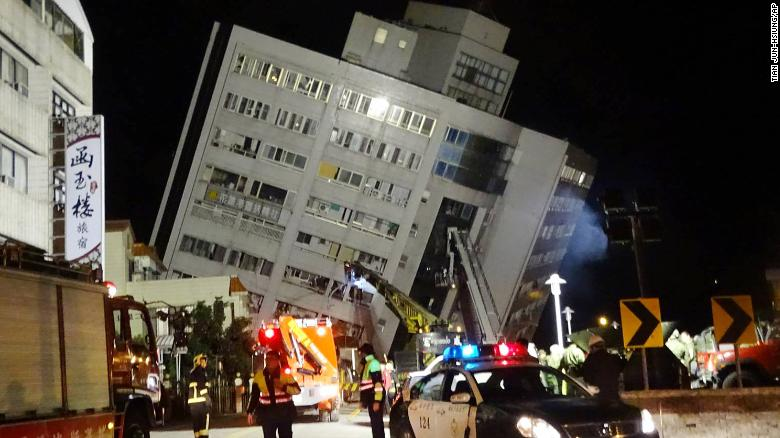 Taiwan quake: Tilted buildings, people trapped