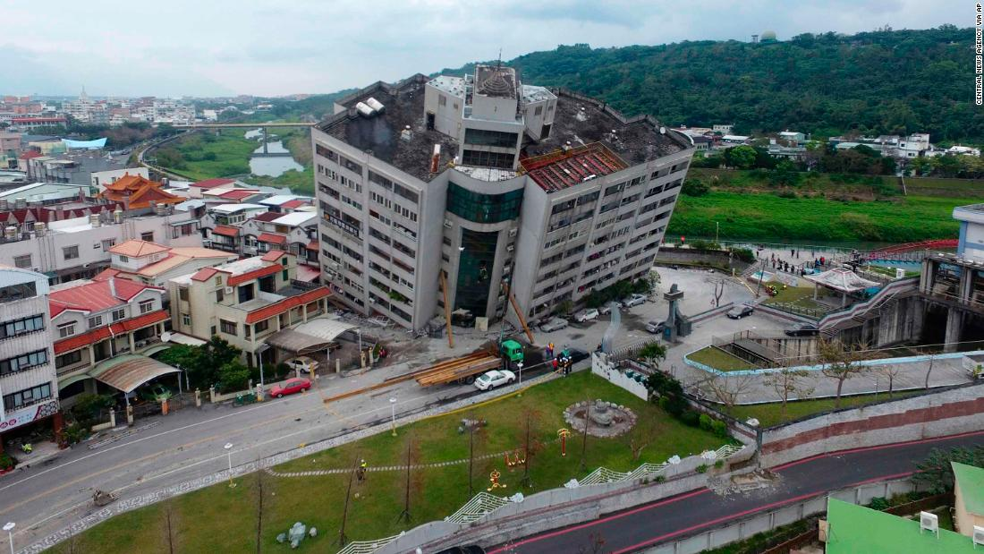 An overview of the Yun Tsui building after the quake.