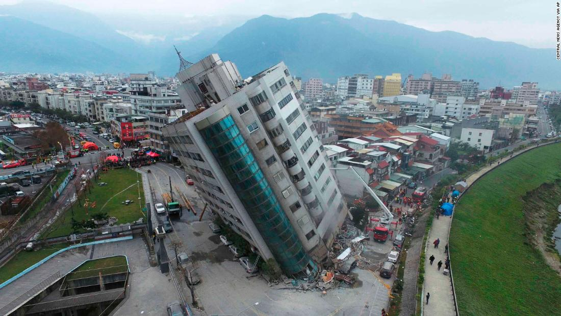 The Yun Tsui building leans perilously in Hualien.