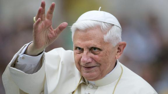 Vatican City, VATICAN CITY STATE:  Pope Benedict XVI waves to the pilgrims before his weekly general audience on St-Peter