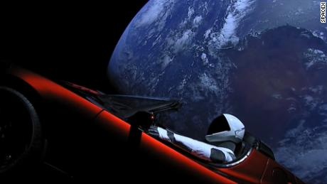 title: Live Views of Starman duration: 04:39:49 site: Youtube author: null published: Tue Feb 06 2018 16:38:22 GMT-0500 (Eastern Standard Time) intervention: yes description: