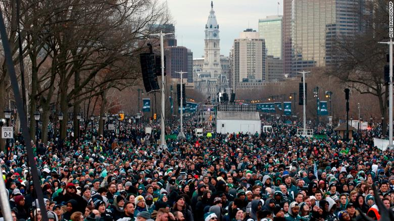 Eagles fans flock to Philadelphia for parade