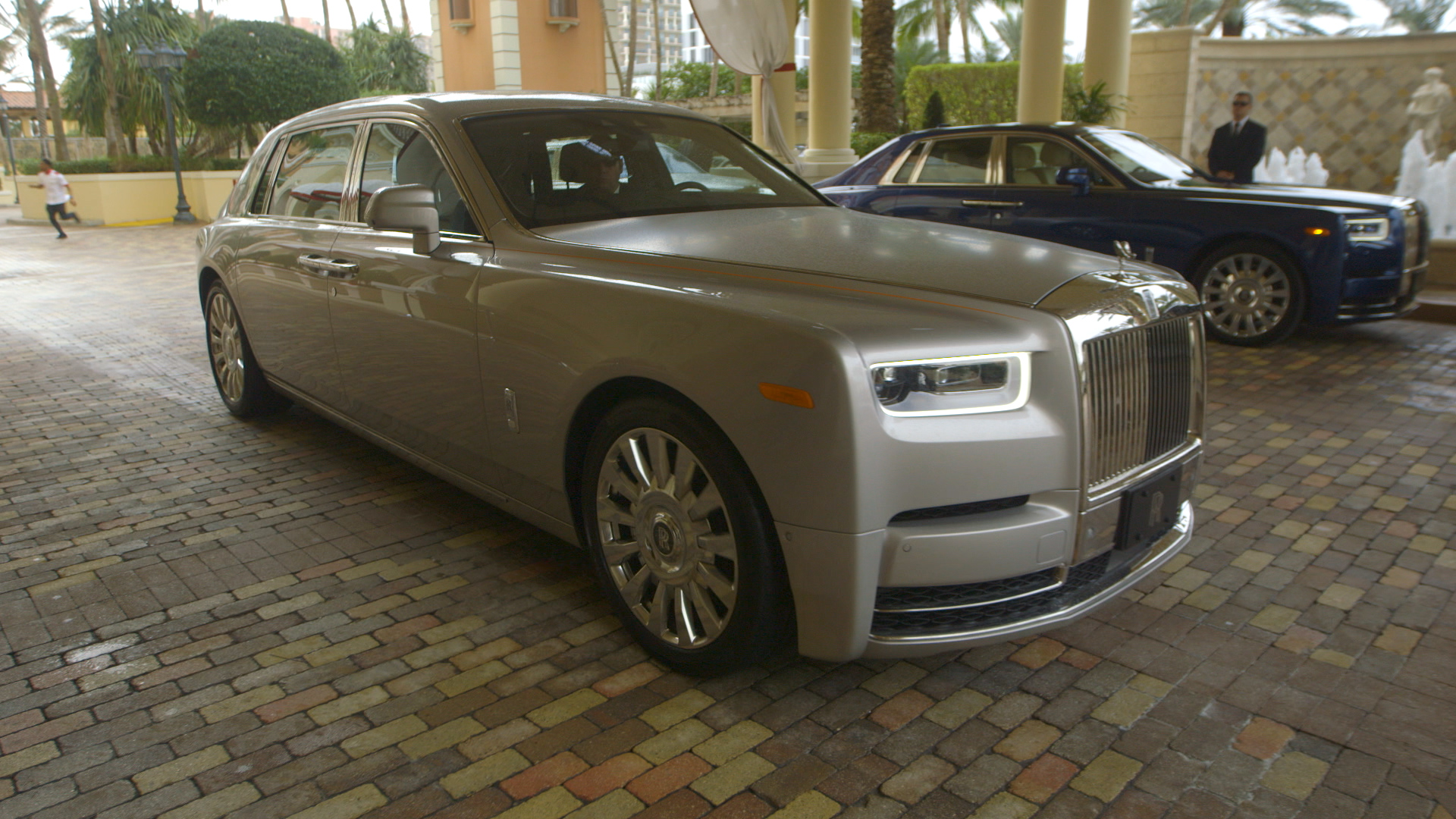 Rolls Royce Redefines Comfort In The Phantom Cnn Video