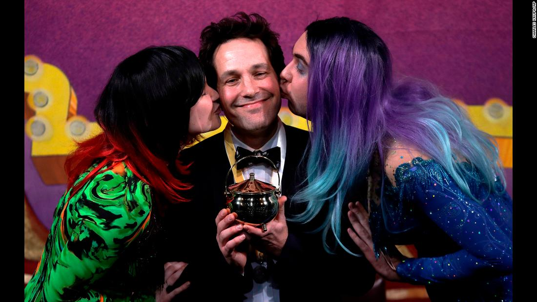 "Actor and screenwriter Paul Rudd is kissed as he accepts his Pudding Pot trophy at Harvard University in Cambridge, Massachusetts, on Friday, February 2. <a href=""https://news.harvard.edu/gazette/story/2018/01/hasty-pudding-names-paul-rudd-its-2018-man-of-the-year/"" target=""_blank"">Rudd was honored as Man of the Year</a> by the Hasty Pudding Theatricals, the oldest theatrical organization in the United States."