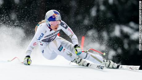 GARMISCH-PARTENKIRCHEN, GERMANY - FEBRUARY 04: Lindsey Vonn of USA competes during the Audi FIS Alpine Ski World Cup Women's Downhill on February 4, 2018 in Garmisch-Partenkirchen, Germany. (Photo by Hans Bezard/Agence Zoom/Getty Images)