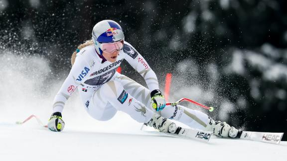 GARMISCH-PARTENKIRCHEN, GERMANY - FEBRUARY 04: Lindsey Vonn of USA competes during the Audi FIS Alpine Ski World Cup Women