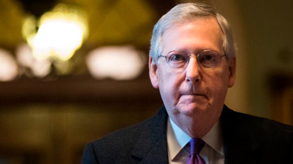 WASHINGTON, DC - JANUARY 22 : Senate Majority Leader Mitch McConnell (R-KY) arrives and walks to his office on Capitol Hill, January 22, 2018 in Washington, DC. Lawmakers are continuing to seek a deal to end the government shutdown, now in day three. (Photo by Drew Angerer/Getty Images)