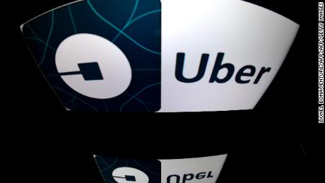 A picture taken on December 28, 2016 in Paris shows the logo of Uber.  Since its debut in 2010, Uber has grown into a worldwide phenomenon despite regulatory hurdles and resistance from traditional taxi operators.  / AFP PHOTO / Lionel BONAVENTURE        (Photo credit should read LIONEL BONAVENTURE/AFP/Getty Images)