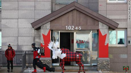 epa06499379 Team Canada members in the PyeongChang Olympic Village during a media tour before the start of the PyeongChang 2018 Olympic Games, South Korea, 06 February 2018. The PyeongChang 2018 Olympic Games will start on 09 February.  EPA/DIEGO AZUBEL