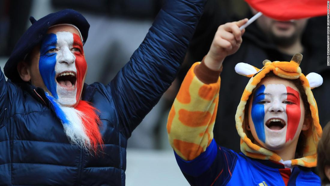 Traveling French fans were in full voice at Murrayfield for their side's clash with Scotland.