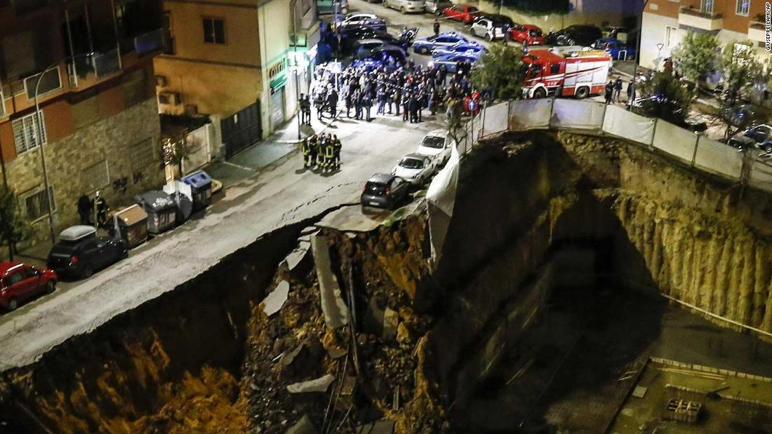 Huge Rome sinkhole prompts evacuations - CNN