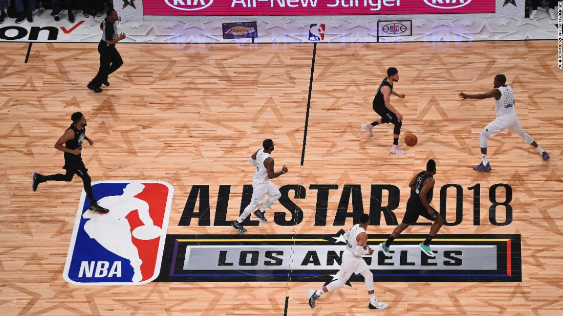 Curry brings the ball up the court. The game was played at the Staples Center in Los Angeles.