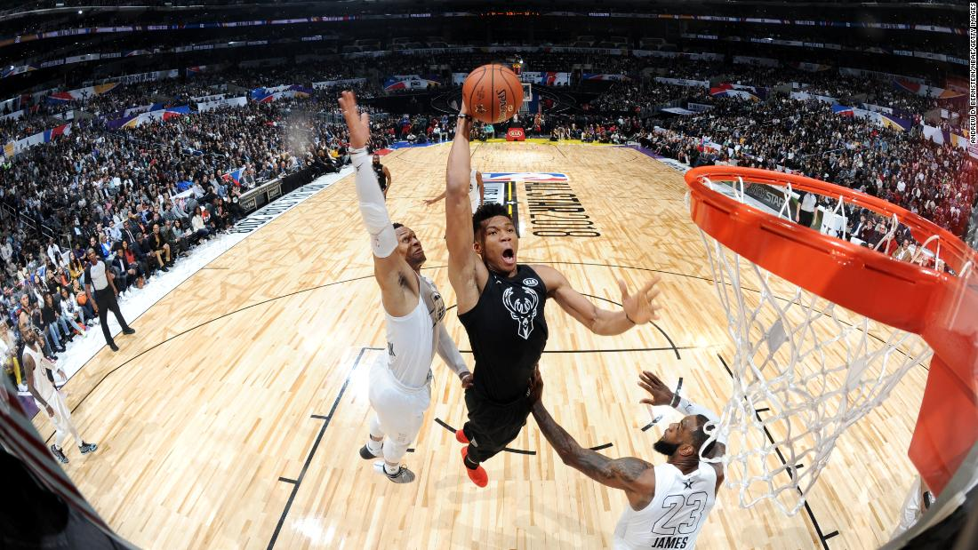 Giannis Antetokounmpo dunks the ball for Team Stephen. He scored 16 points in the game.