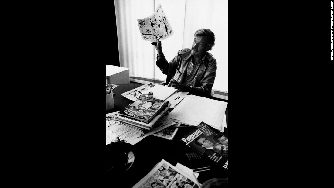 Stan Lee Marvel Comics Patriarch Dies At 95 Cnn