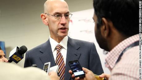 El comisionado de la NBA, Adam Silver, a quien se le atribuye la promoción de un entorno progresista en la liga.