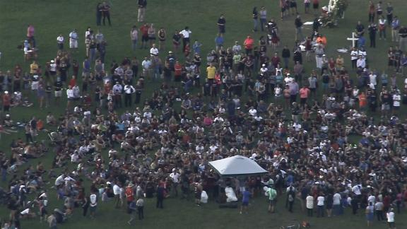 Students, teachers and members of the community gather in Parkland for the run.