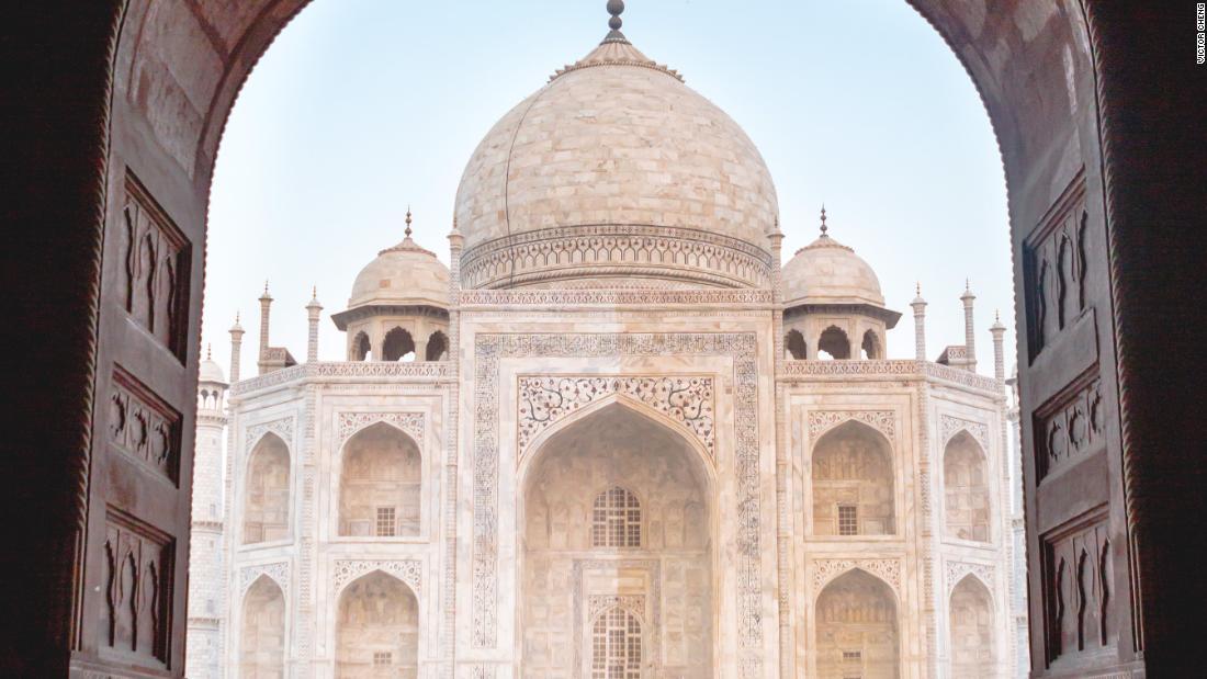 インドのタージマハルを閉じる中で、coronavirus懸念