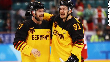 GANGNEUNG, SOUTH KOREA - FEBRUARY 23:  Germany celebrates after defeating Canada 4 to 3 during the Men's Play-offs Semifinals on day fourteen of the PyeongChang 2018 Winter Olympic Games at Gangneung Hockey Centre on February 23, 2018 in Gangneung, South Korea.  (Photo by Jamie Squire/Getty Images)