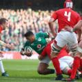 Irish try